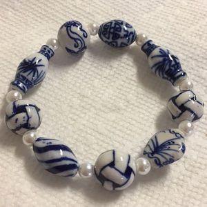 Blue and white ceramic stretch bracelet